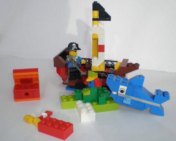 pirate_building_set_054trimedit_1_1.jpg