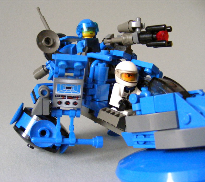 blue-hoverbike_s09.jpg