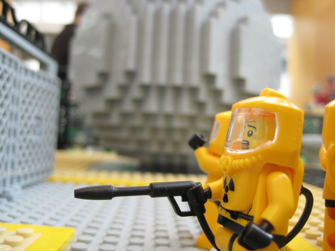 lego-nuclear-power-plant-0813-005.png