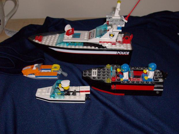 MOC: Speedboat - LEGO Town - Eurobricks Forums