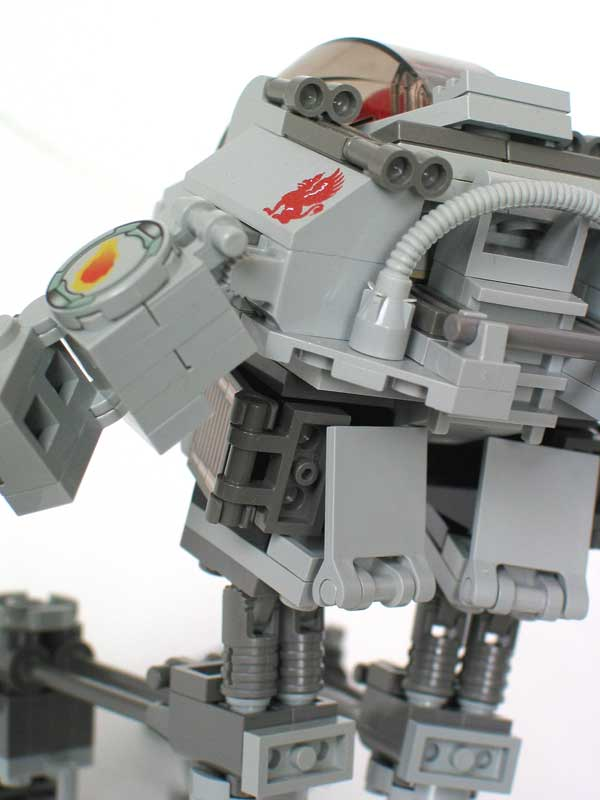 05-griffin-mecha-rear-close.jpg