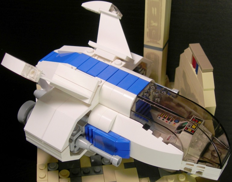 spaceship_closeup.jpg