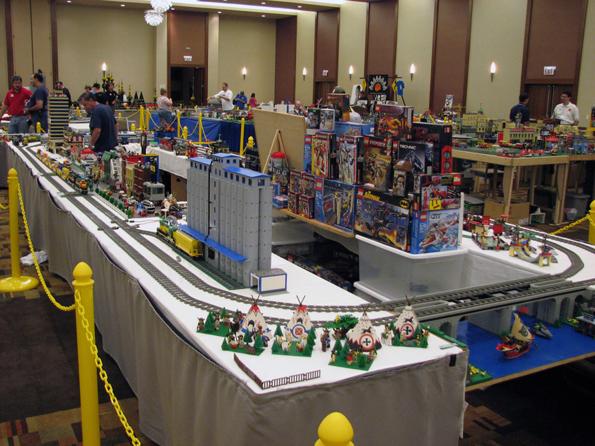 brickworld1430.jpg