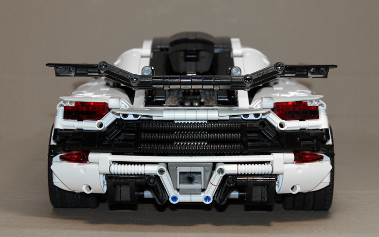 koenigsegg_one-1_rear_1.jpg