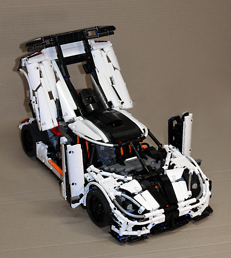 koenigsegg_one-1_right_fronttop_open.jpg