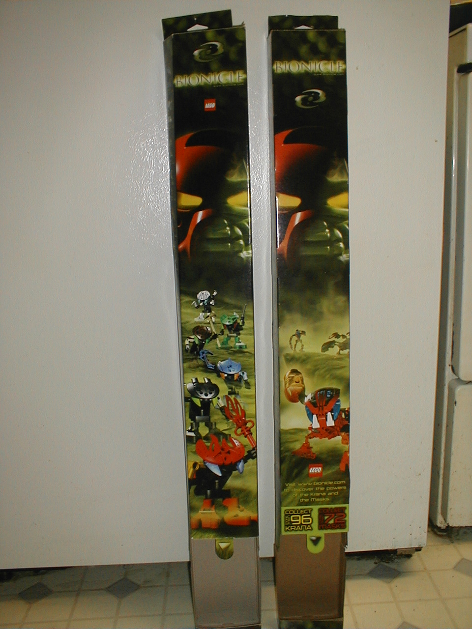 02_krana_pack_wall_holder_display.jpg