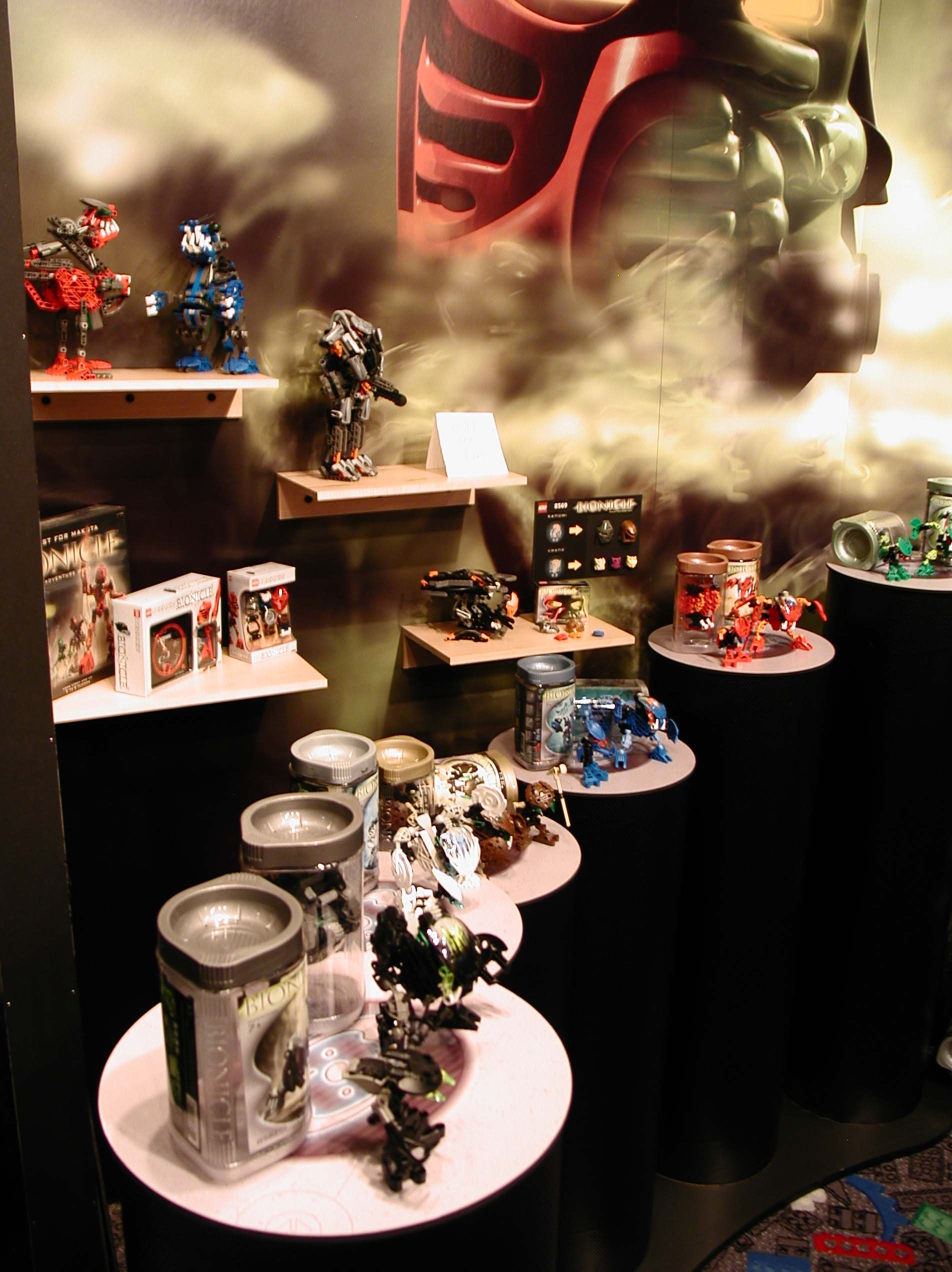02_toyfair_display_01.jpg