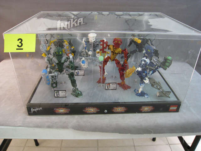 06_toa_inika_store_display.jpg