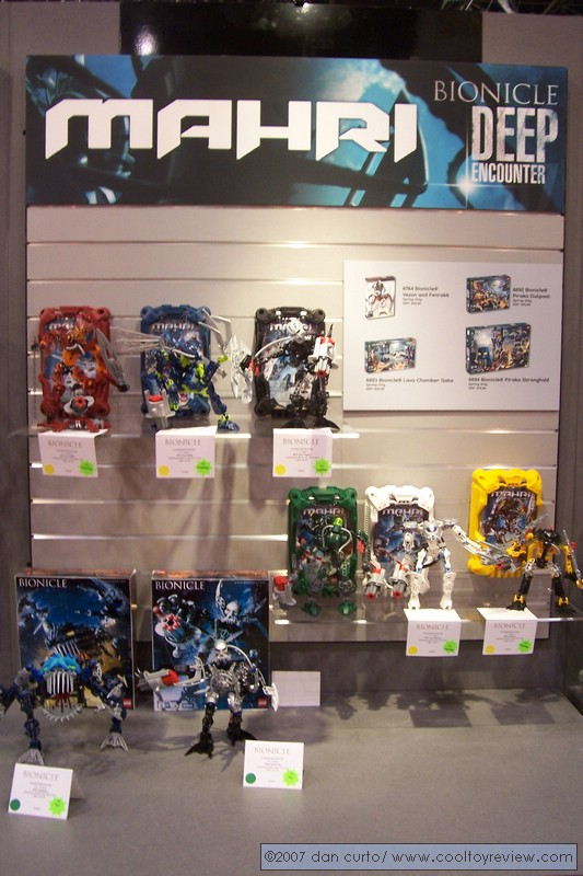 07_toyfair_display_02.jpg