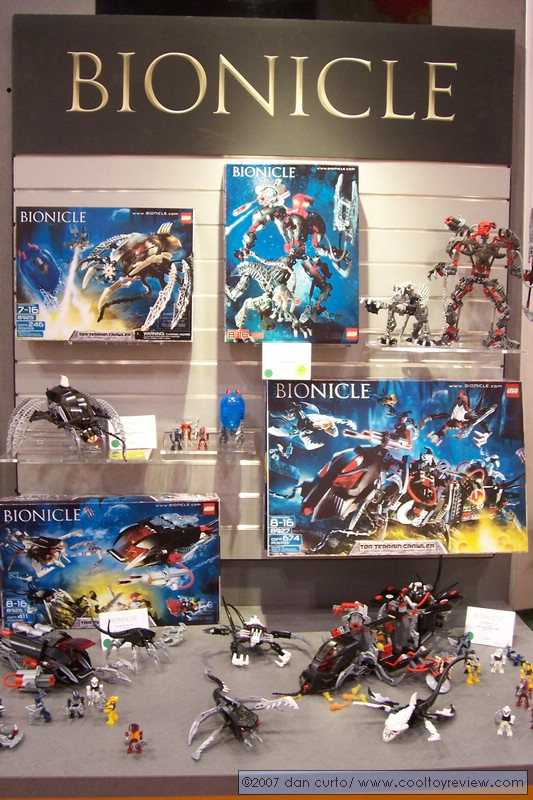 07_toyfair_display_03.jpg