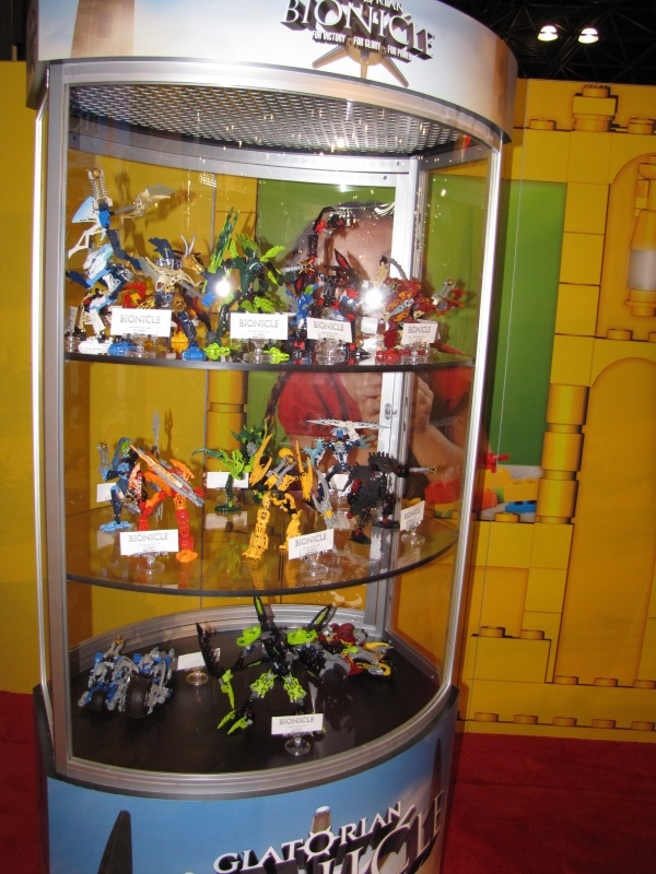 09_toy_fair_display_03.jpg