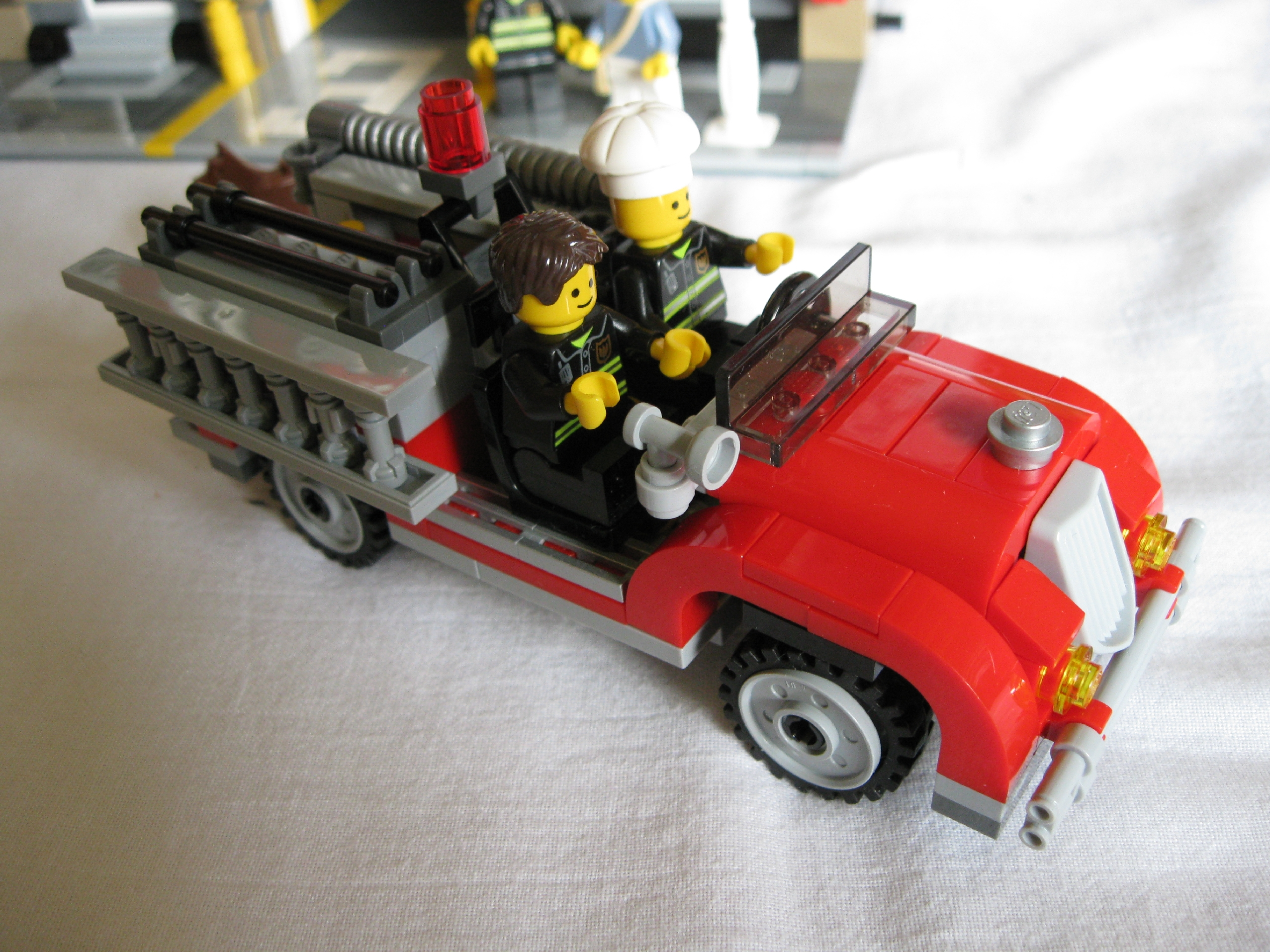 10197fireengineside4.jpg