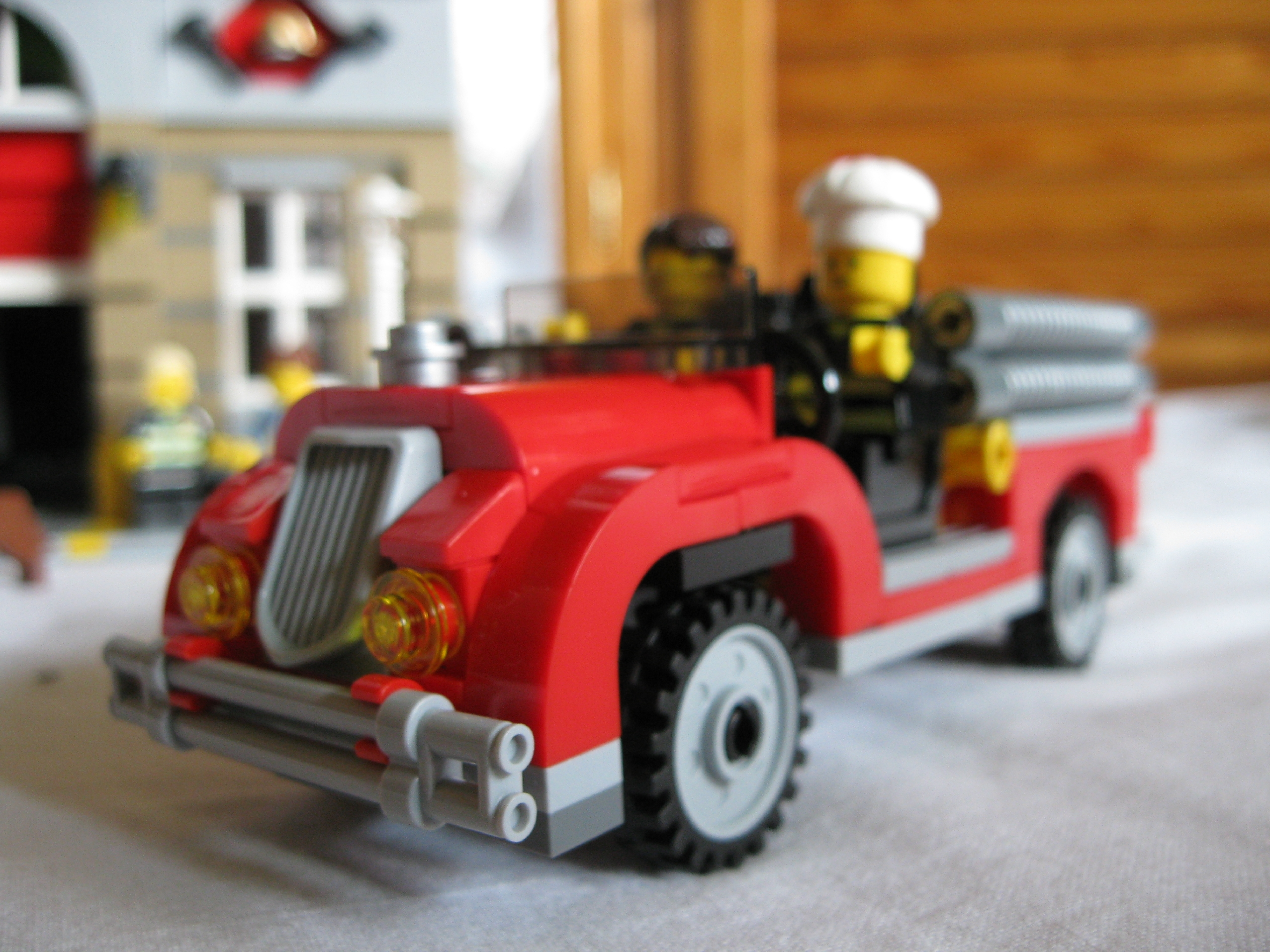10197fireengineside5.jpg