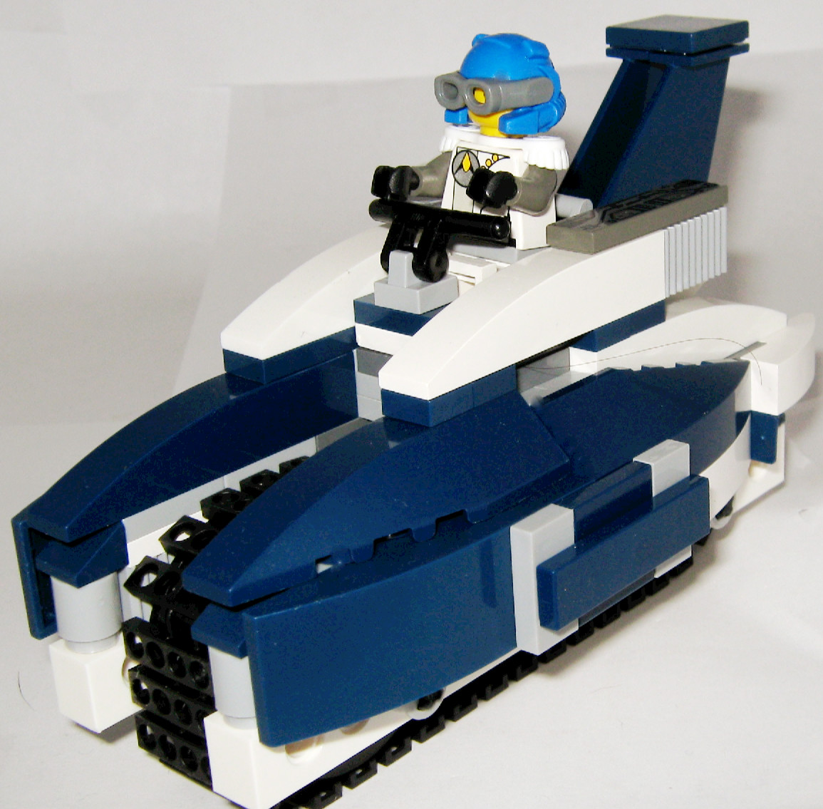 racer__the_royal_blue_009.jpg