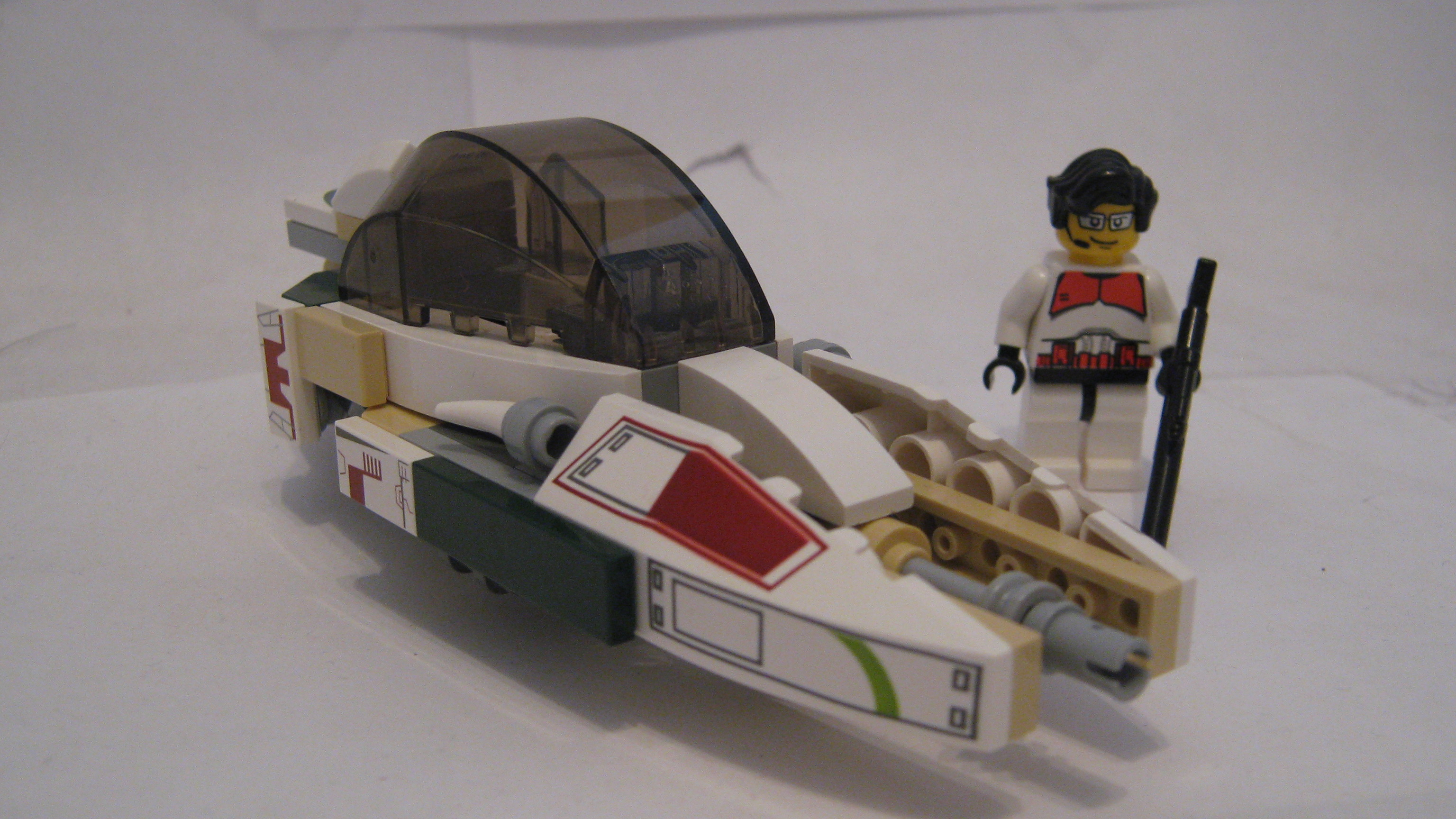 the_iron_bolt_combat_speeder_002.jpg