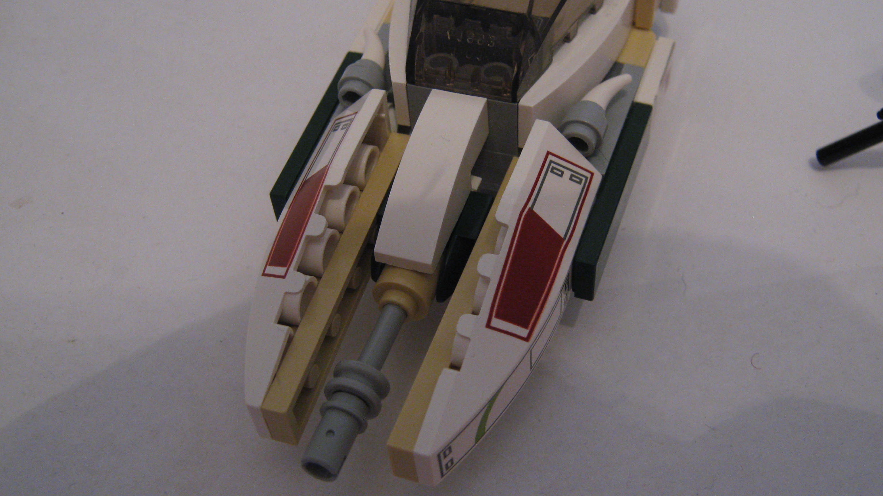 the_iron_bolt_combat_speeder_007.jpg