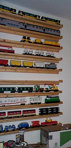 trainshelves3.jpg