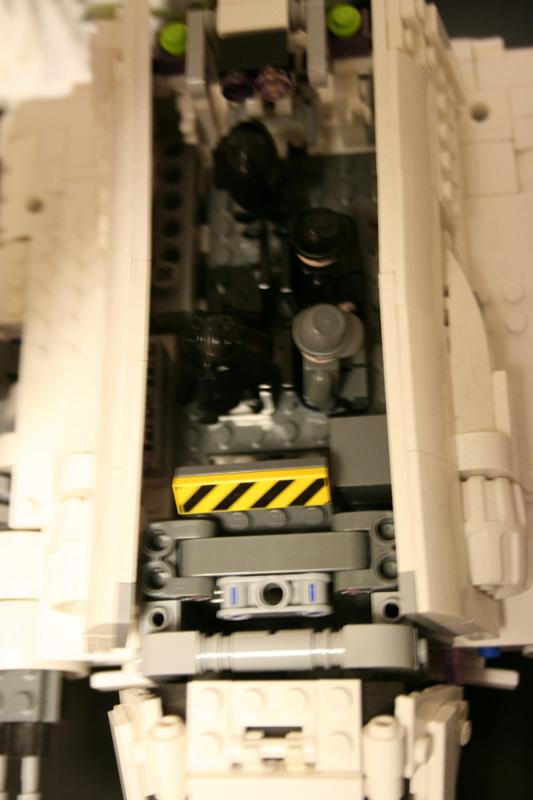 imperial_shuttle_interior_2_small.jpg