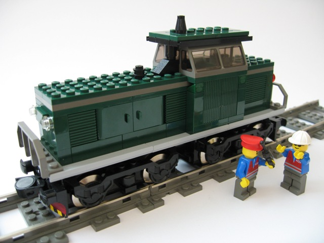 dark_green_diesel_shunter_1.jpg