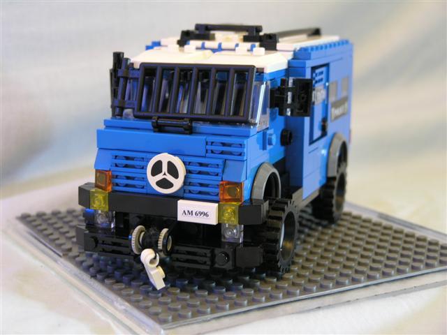Moc Hong Kong Police Force Saxon Lego Town