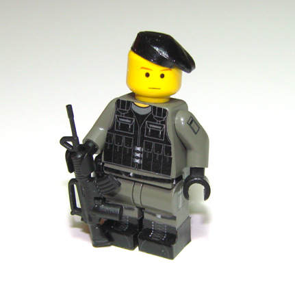 00-98-sas-trooper-02.jpg