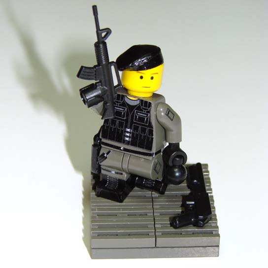 00-98-sas-trooper-05.jpg