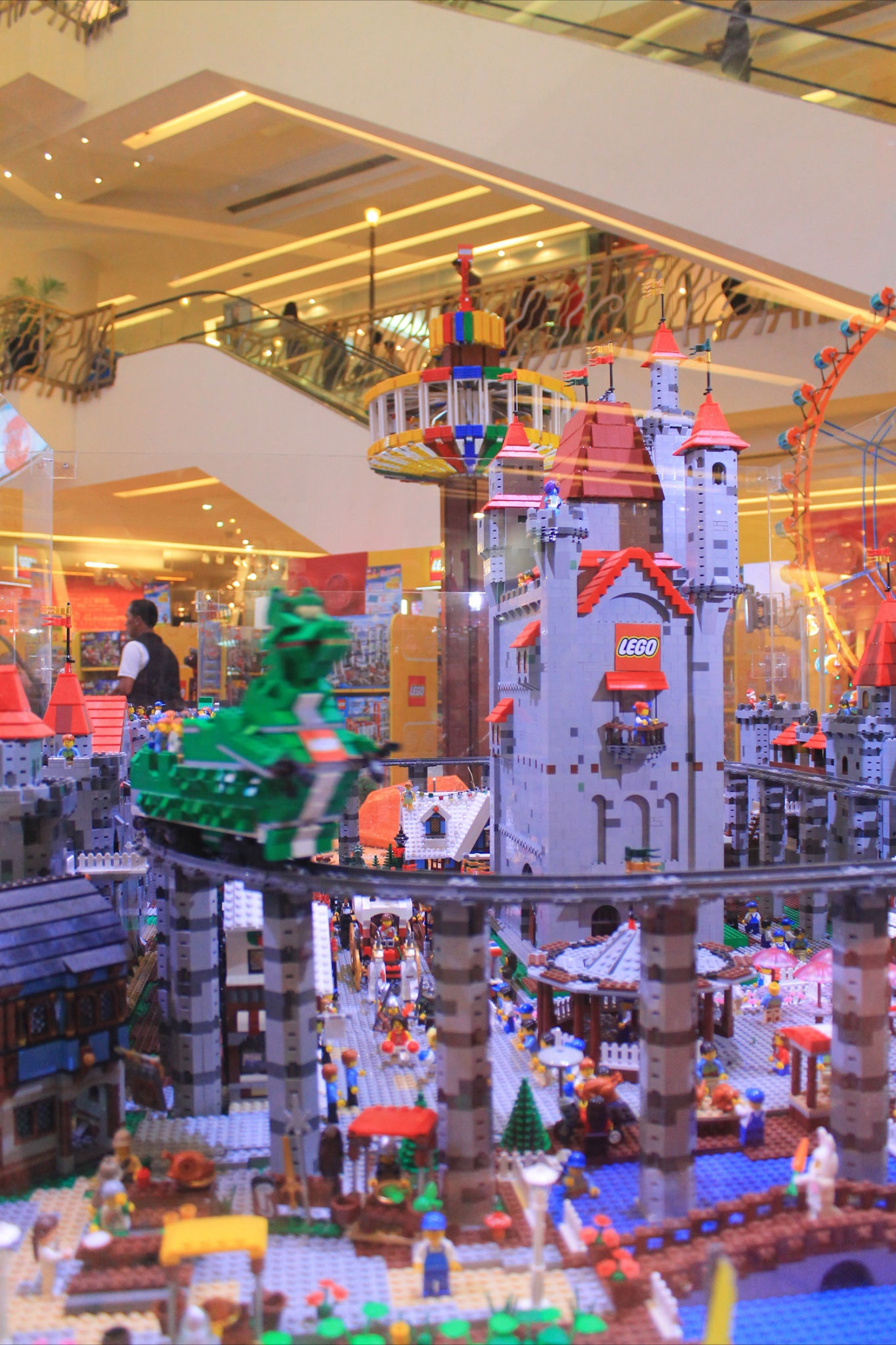 lego_children_day_thailand_2013_4.jpg