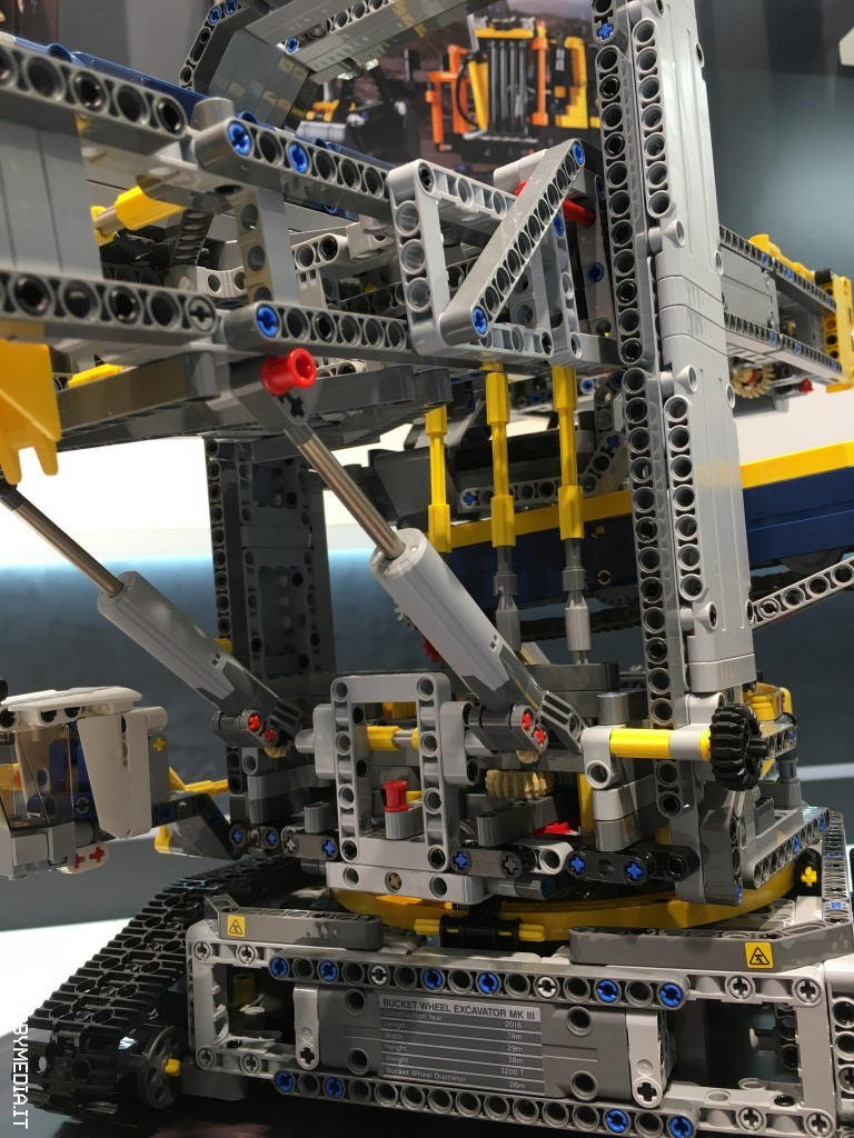 brickshelf gallery lego technic bucket wheel excavator. Black Bedroom Furniture Sets. Home Design Ideas