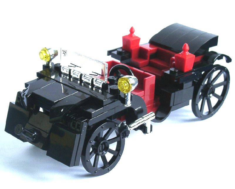 Thekla\'s Old-Fashioned Car | The Brothers Brick | The Brothers Brick