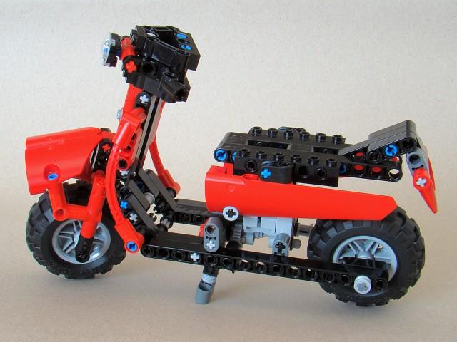 8048_model_11_2-scooter.jpg