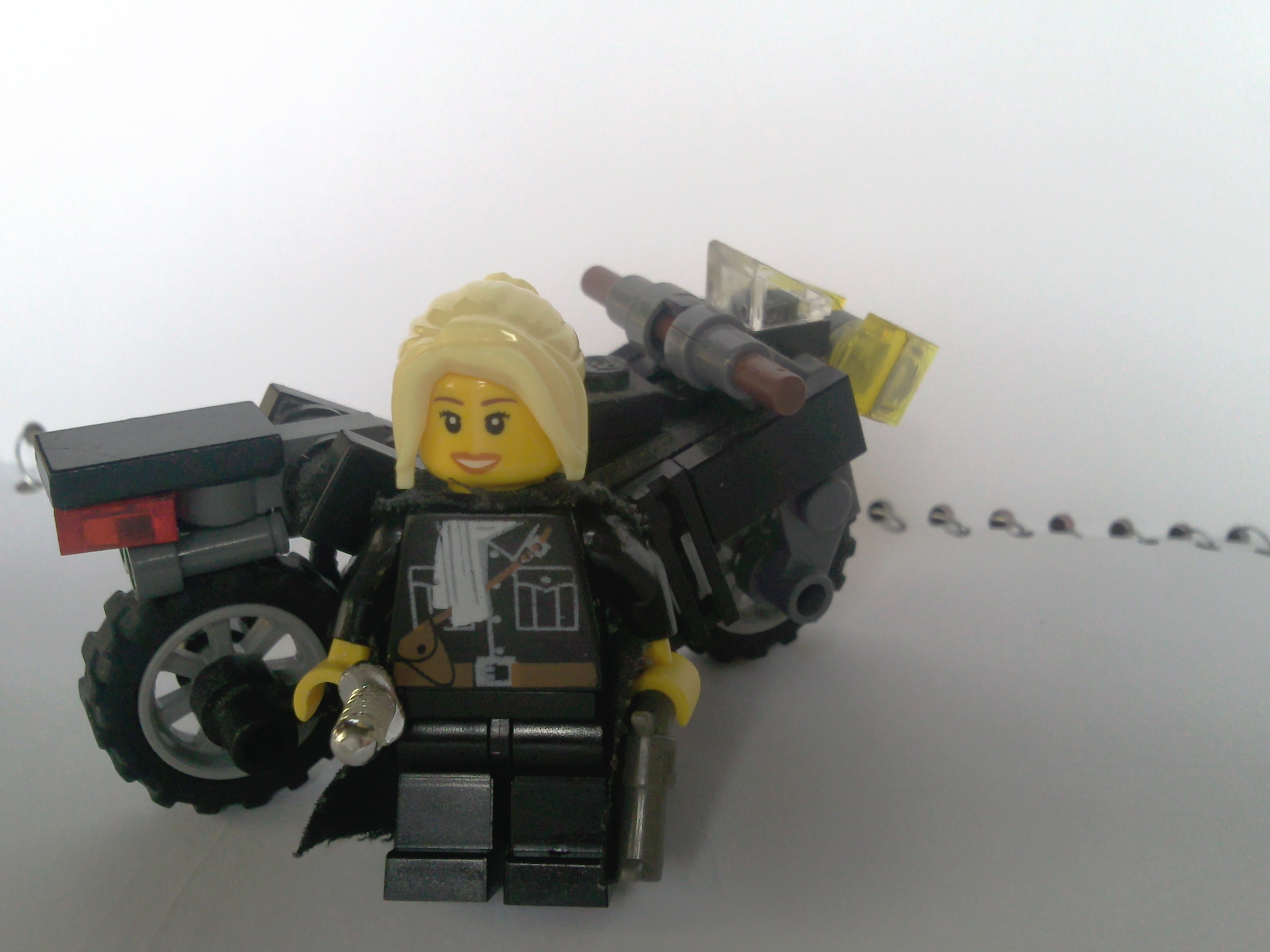 mafia_girl_and_motorcycle.jpg