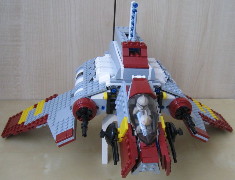 8019_-_republic_attack_shuttle_-_02.jpg