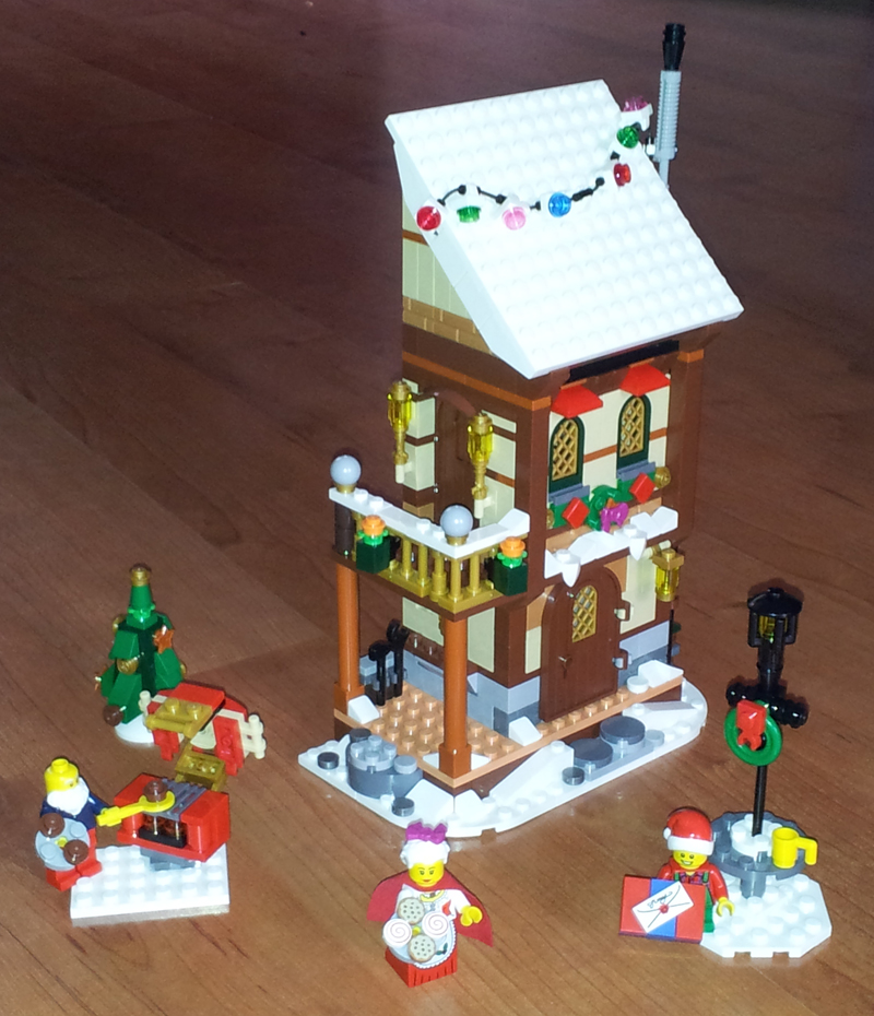 Moc: Winter Village Grandparents' House - LEGO Town ...