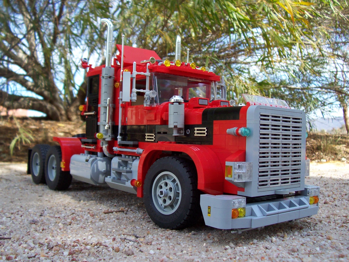 241006_big_red_black_rig_truck_022.jpg
