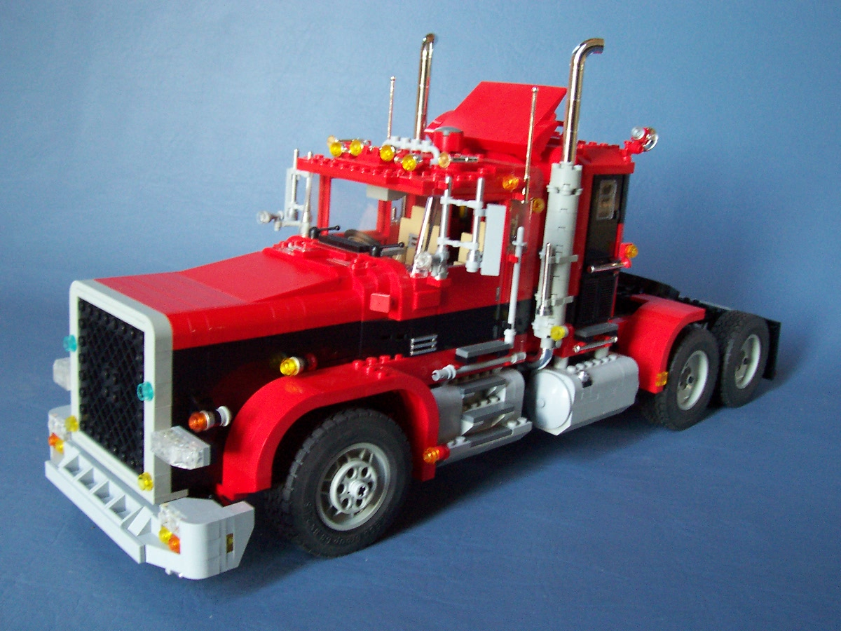 241006_big_red_black_rig_truck_048.jpg