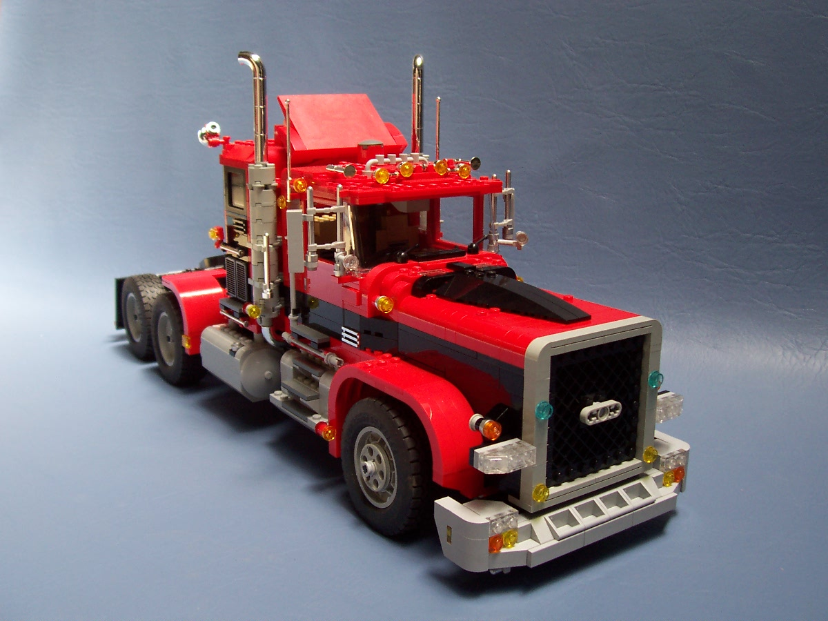241006_big_red_black_rig_truck_066.jpg