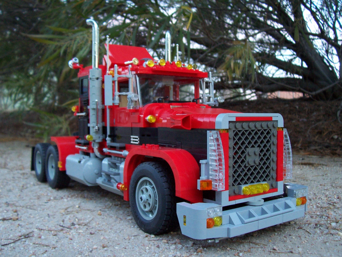 241006_big_red_black_rig_truck_084.jpg
