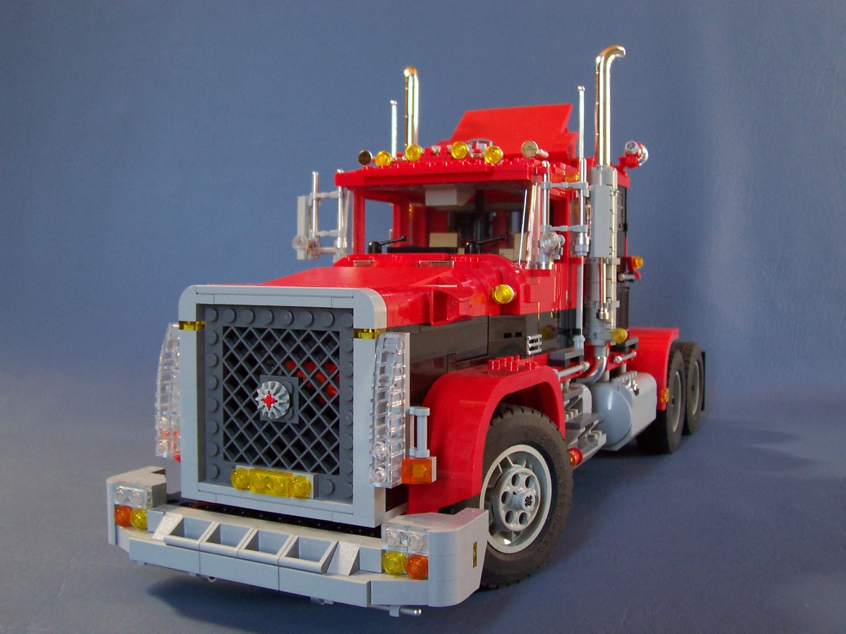 241006_big_red_black_rig_truck_100.jpg