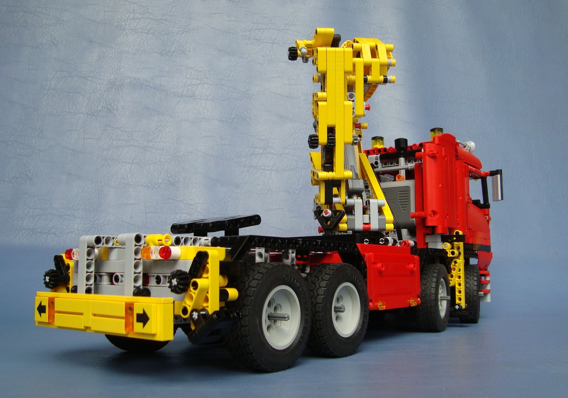 technic 8258 crane truck brickipedia a lego wiki. Black Bedroom Furniture Sets. Home Design Ideas