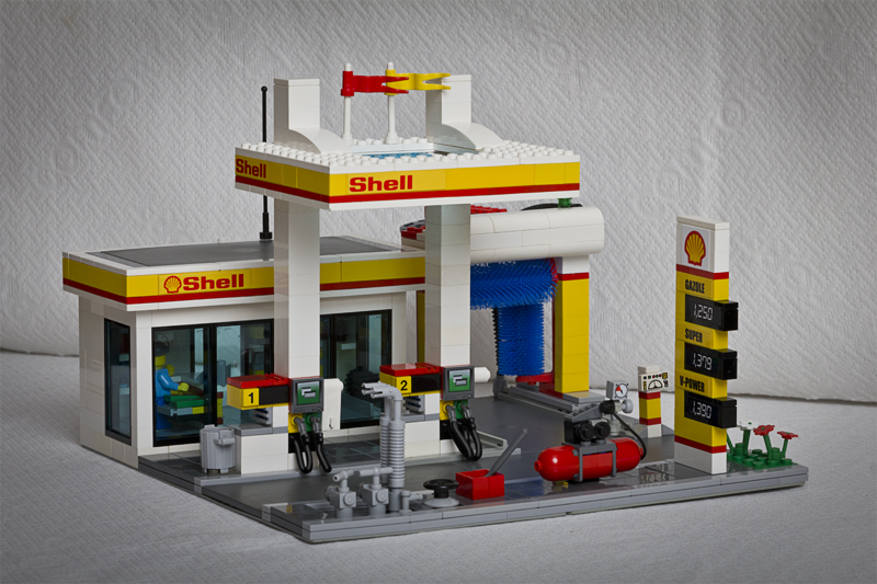 moc modern shell service station servo shodown entry lego town eurobricks forums. Black Bedroom Furniture Sets. Home Design Ideas