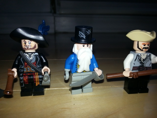 pirate_figbarf_2.jpg