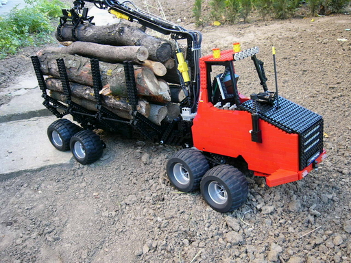8x8_forwarder_000.jpg