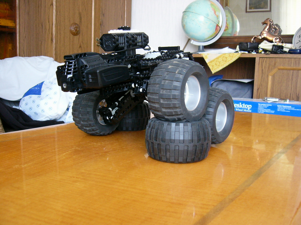 8x8_forwarder_009.jpg