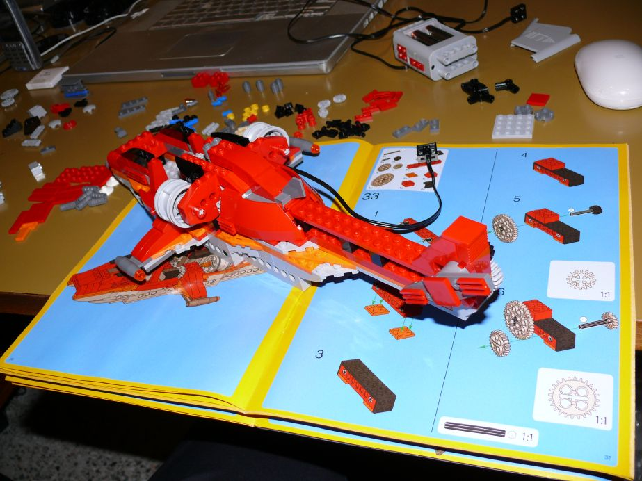 LEGO Helicopter 4895: still building...