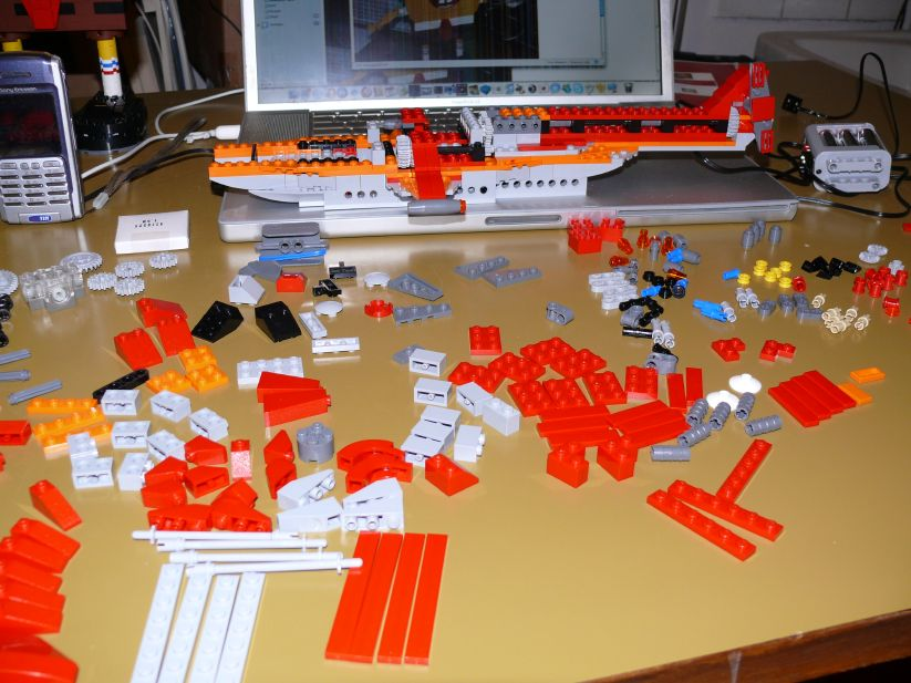 LEGO Helicopter 4895: build continues...