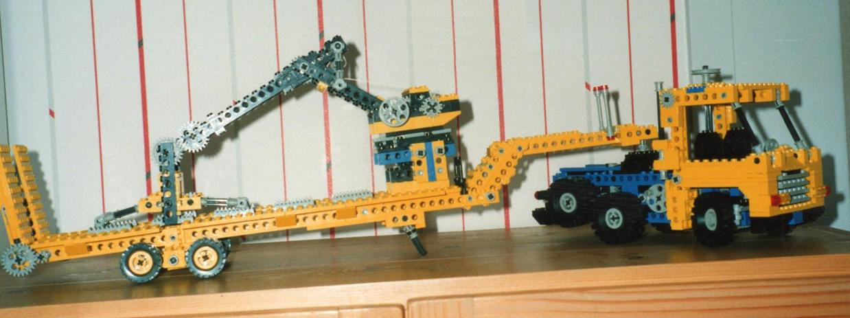 truck_6x2_with_trailer_and_crane_-_mid_1992.jpg