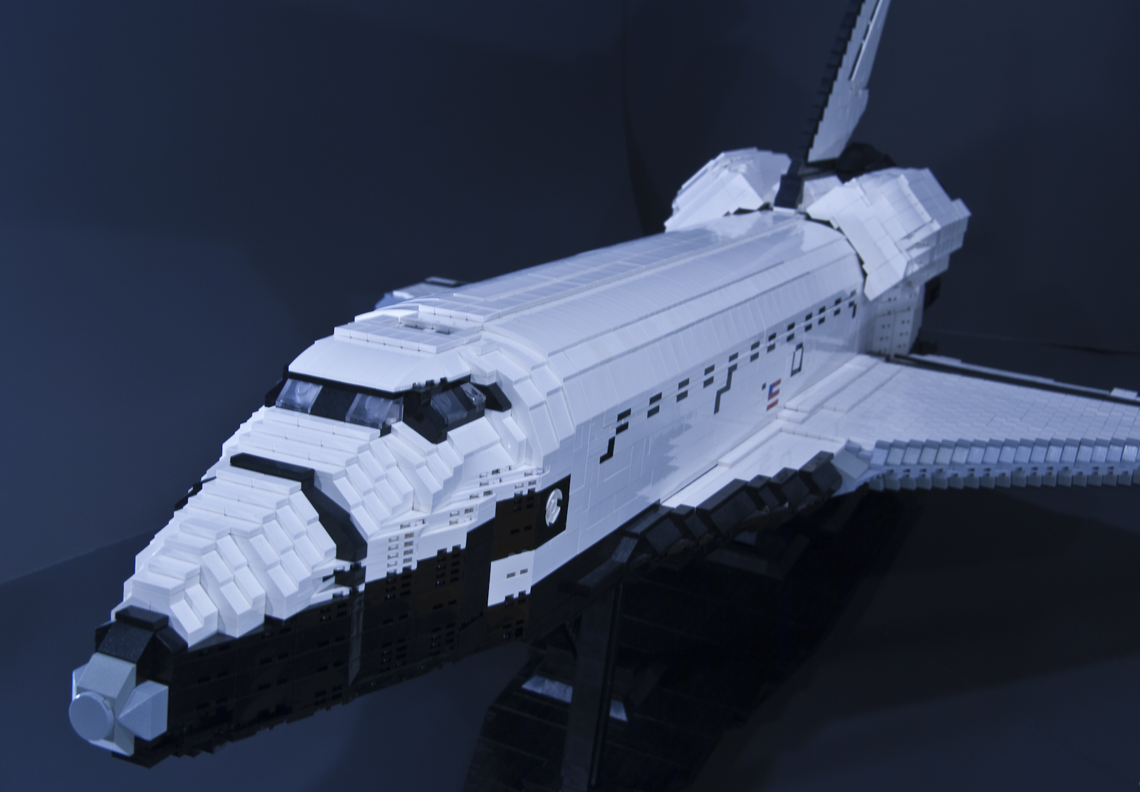 large lego space shuttle a lego creation by ben watson. Black Bedroom Furniture Sets. Home Design Ideas