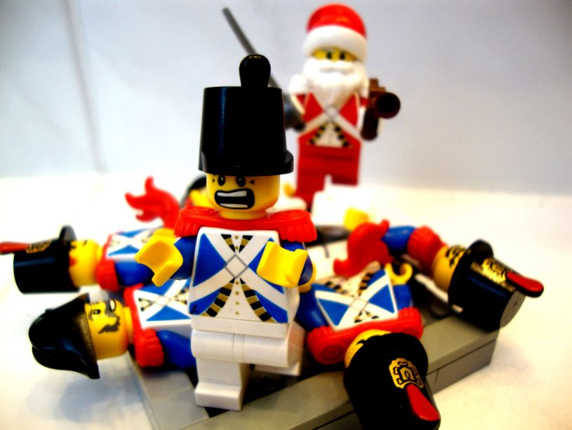 Bluecoats, ye be warned - [Santa is coming to town] - Pirate MOCs ...