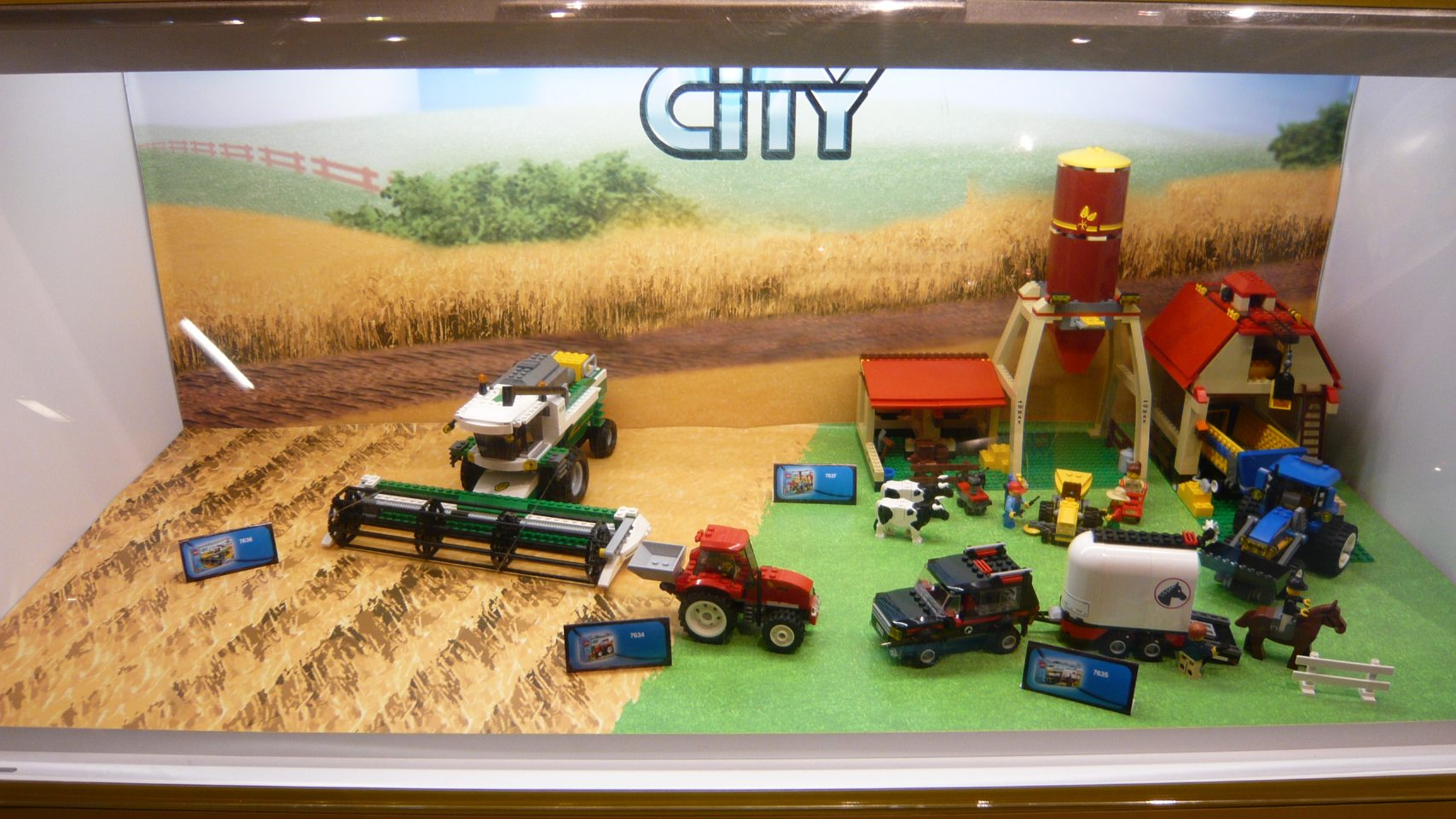 6_d_lego_city_farmtoysrus.jpg