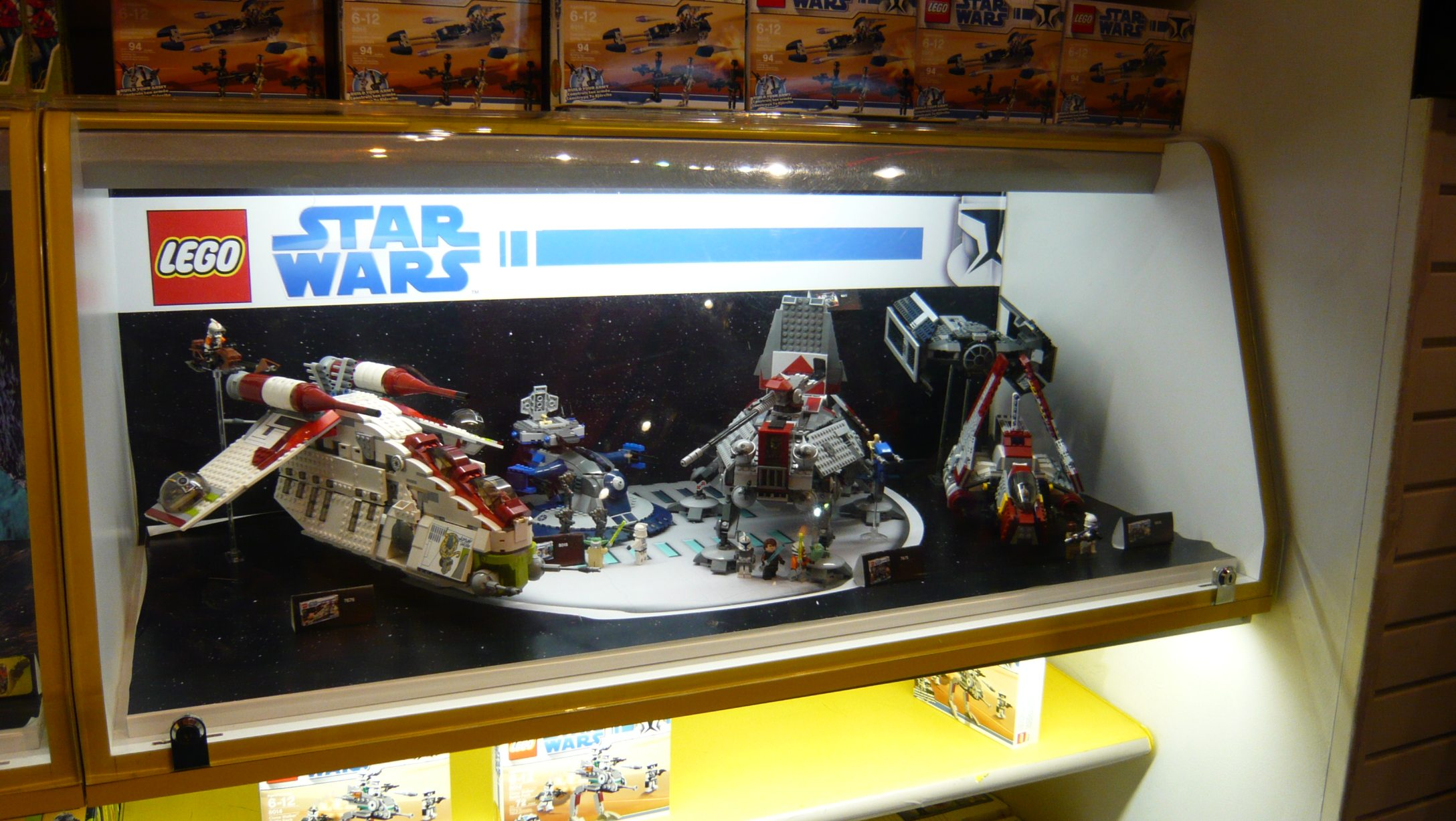 6_d_lego_sw_display.jpg